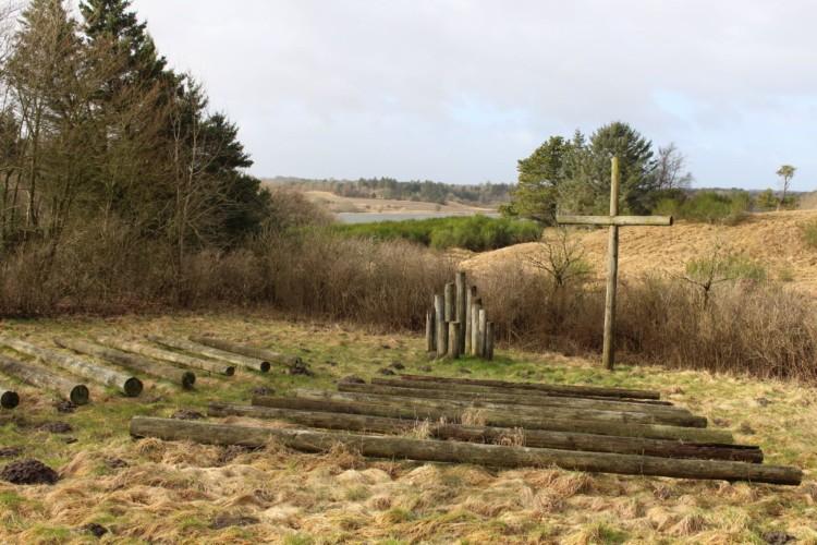 Open Air Kirche mit Blick auf den See vom Jugendlager Trevaeldcentret