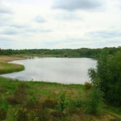 das dänische Jugendlager Trevaeldcentret liegt direkt am See