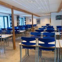 Speisesaal für große Gruppen im dänischen Freizeitheim Trevaeldcentret