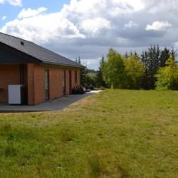 Zeltlager auf dem großen Scoutgelände des dänischen Freizeitheims Trevaeldcentret