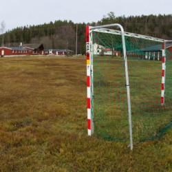 img_8182Vatnar2a2 Fußballplatz vom norwegischen Freizeitheim Vatnar Leirsted für Kinderfreizeiten