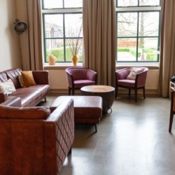 Wohnzimmer im Gruppenhaus für Menschen mit Behinderung in den Niederlanden