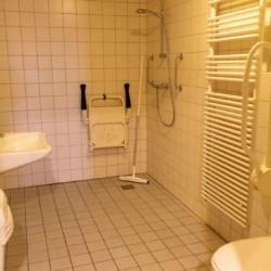 Barrierefreies Badezimmer am Gruppenhaus Immink Brink in den Niderlanden