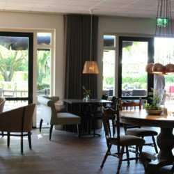 Der Speisesaal im niederländischen handicapgerechten Gruppenhaus ImminkOpkamer für Menschen mit Behinderung.