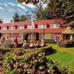 Außenansicht des Hotels de Postelhoef in den Niederlanden.