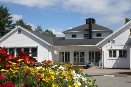 Der Eingangsbereich des Gruppenhauses Audnstrand in Norwegen.