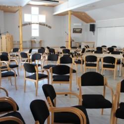 Der große Gruppenraum im norwegischen Freizeitheim Audnastrand.