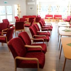 Der Gemeinschafstraum im gruppenhaus Audnstrand in Norwegen.
