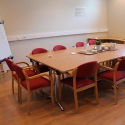 Der Seminarraum im Gruppenhaus Audnstrand in Norwegen.