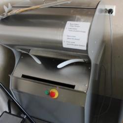 Die Brotschneidemaschine des Gruppenhauses Audnastrand in Norwegen.