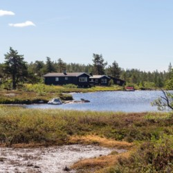 norwegisches Gruppenhaus Blestølen Leirsted am See