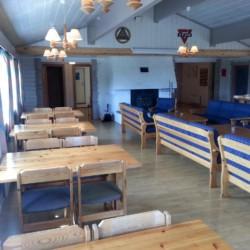 Gruppenraum im norwegischen Freizeitheim Blestølen Leirsted
