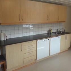 neue Küche im norwegischen Gruppenhaus Blestølen Leirsted
