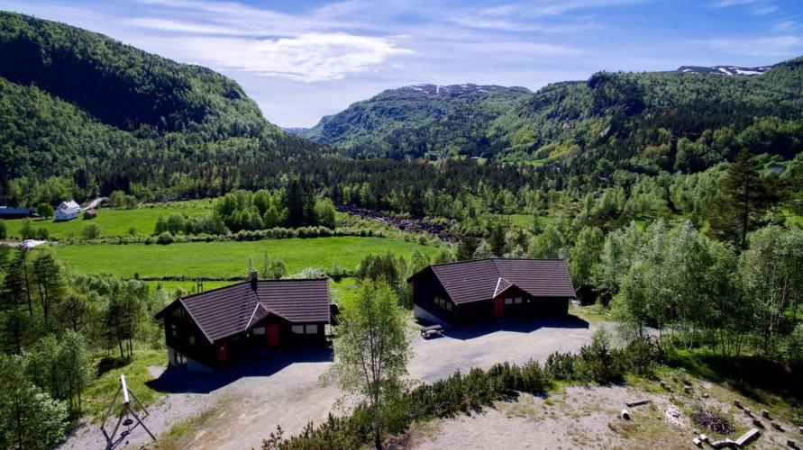 Das norwegische Freizeitheim Omlid in der Nähe vom Kjerrak hat eine tolle Alleinlage.