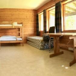 Das Vierbettzimmer im norwegischen Freizeitheim Omlid nahe dem Preikestolen.