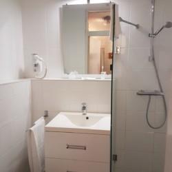 Badezimmer im barrierefreien Hotel Fredeshiem für behinderte Menschen