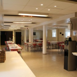 Der Speisesaal im norwegischen Gruppenhaus Sjöglimt.