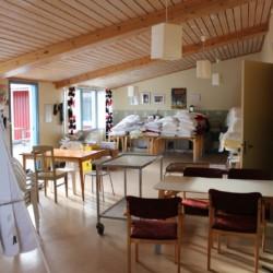 Der Speisesaal des Gruppenhauses Ängskär in Schweden.