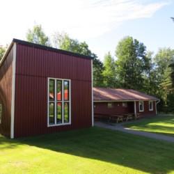Der Kirchsaal des Freizeithauses Bovik Lägergård in Schweden.