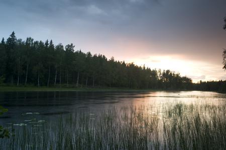 Umgebung vom schwedischen Freizeitheim Kåfalla Herrgård am See für Jugendfreizeiten