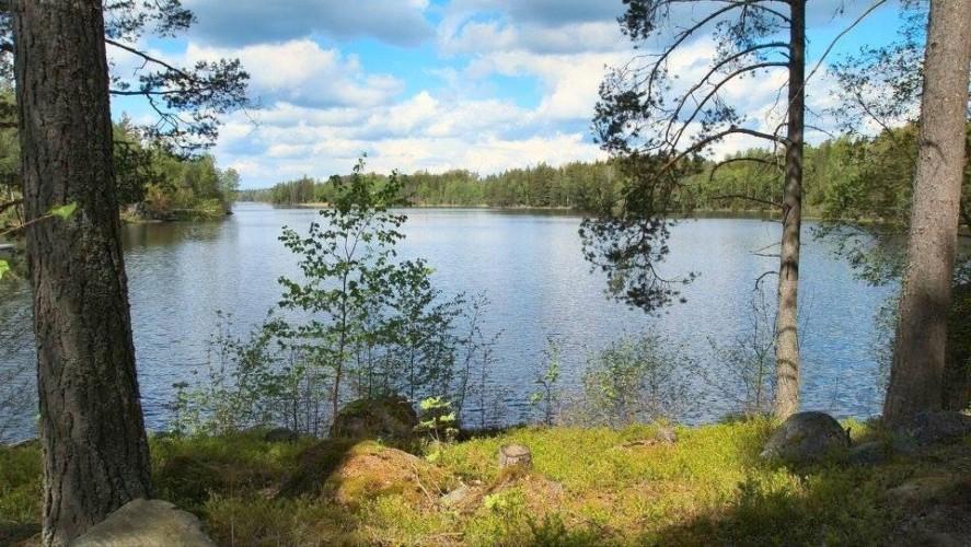 Der dazugehörige See zum Gruppenhaus Sommarhagen in Schweden.