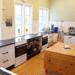 Die Küche im schwedischen Gruppenhaus Sommarhagen.