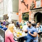 In Gamla Stan gibt es coole Cafés, kleine Läden und viele touristische Ziele. So zum Beispiel das Nobel Museum, das Königsschloss, die Deutsche Kirche und vieles mehr. © Simon Paulin/imagebank.sweden.se