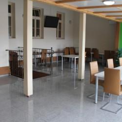 Ein Aufenthaltsraum im Gruppenhaus Ljutomer in Slowenien.
