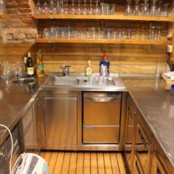 Eine Küchenzeile im Freizeitheim Ljutomer in Slowenien.