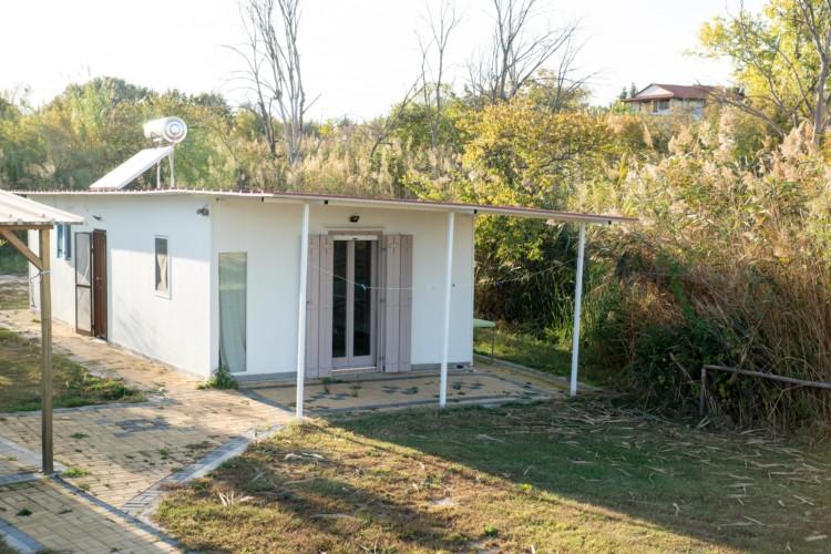 GRC2 rolli-gerechtes Haus am See im griechischen Feriencamp Strandlodge direkt am Mittelmeer