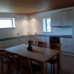 Küche im Gruppenhaus Skovly Langeland auf der dänischen Insel Langeland für Jugendliche und Kinder