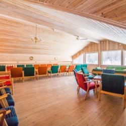 Das Gemeinschaftsraum im norwegischen Gruppenhaus Hallingdal.
