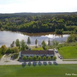 Das norwegische Gruppenhaus Solstrand für Jugendfreizeiten am Badesee
