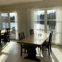 Gruppenraum im Haus Solstrand für Jugendfreizeiten in Norwegen am See