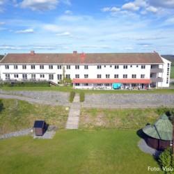 Das norwegische Gruppenhaus Solstrand mit Badestelle