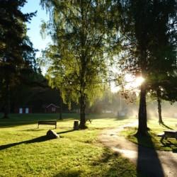 Außengelände am Freizeitheim für Jugendgruppen in Norwegen